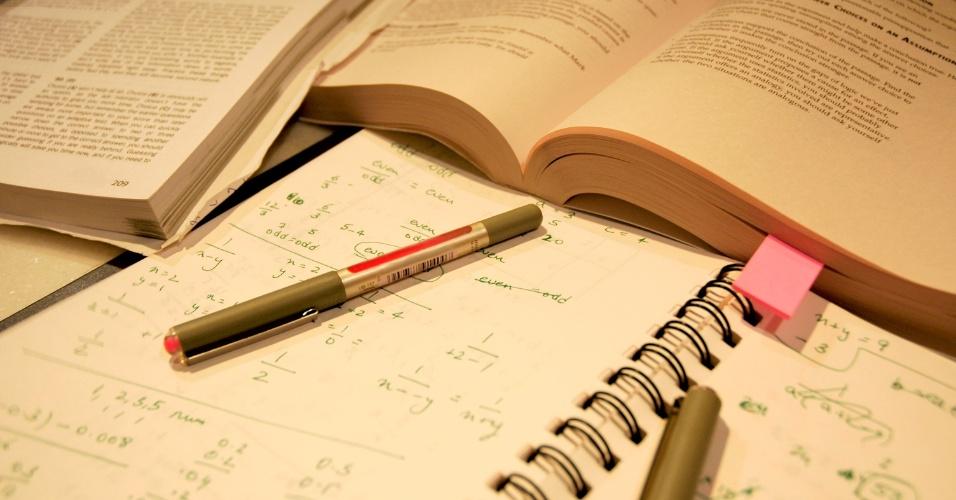 Material escolar, prova, estudo