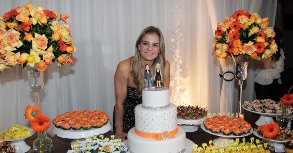 Milene Domingues comemora aniversário em uma casa de festas na Mooca, em São Paulo. A ex-mulher de Ronaldo completou 33 anos (19/6/12)