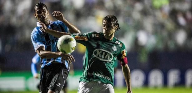 Com chuva e campo pesado, Grêmio e Palmeiras fizeram jogo da Copa do Brasil