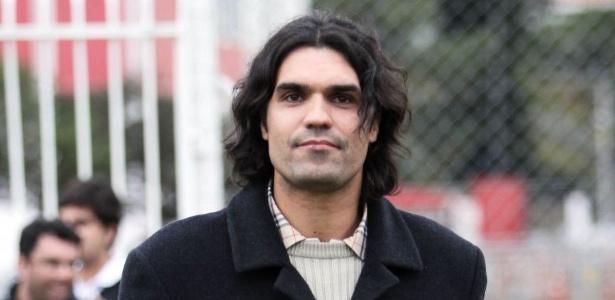 Livro 'Fernandão Eterno' mostra vida e trajetória do ex-jogador com fotos inéditas