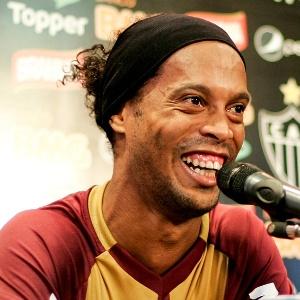 Ronaldinho, que levou uma pancada na coxa direita, fez apenas tratamento nesta terça-feira - Bruno Cantini/site oficial do Atlético-MG