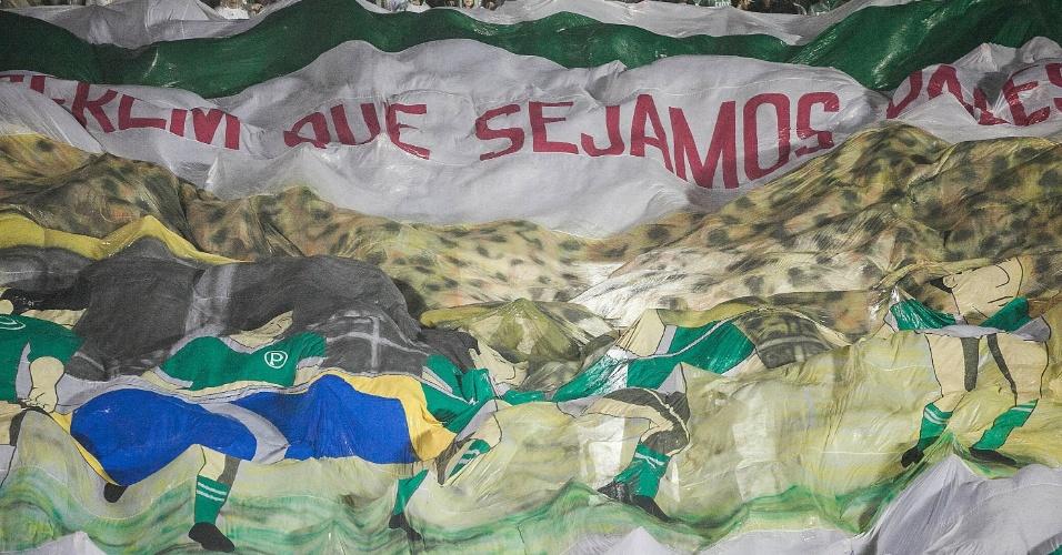 Torcida do Palmeiras abre bandeirão em jogo contra o Grêmio