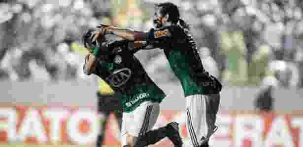 Valdivia comemora com Barcos após marcar o gol de empate do Palmeiras contra o Grêmio - Leonardo Soares/UOL - Leonardo Soares/UOL