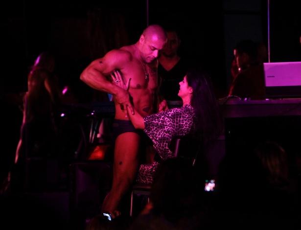 Desnudarse por la voluntad: explotación en los clubes