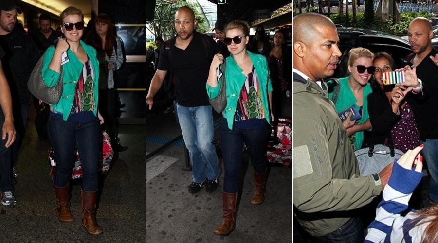 Kelly Clarkson desembarcou no aeroporto de Guarulhos, São Paulo (22/6/12)