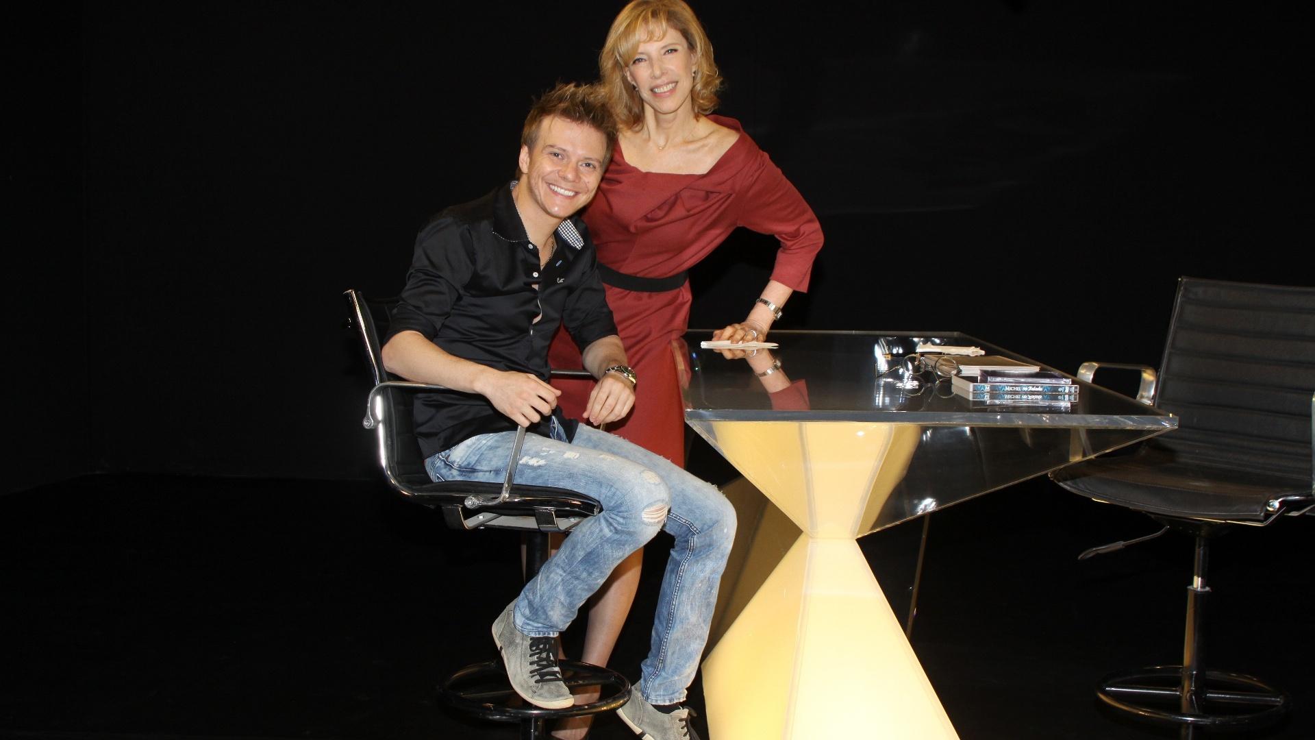 Michel Teló e Marília Gabriela no estúdio do