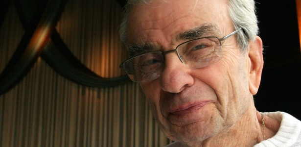 O compositor americano Richard Adler em foto de arquivo de 2006 - AP Photo/Tina Fineberg