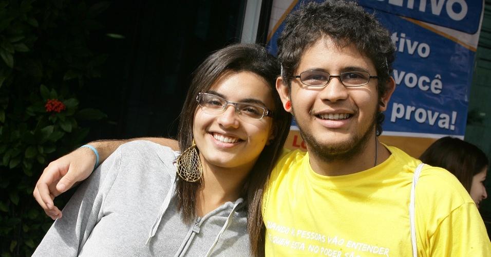 23.jun.2012 - Karolayne Maria, 17, faz vestibular para zootecnia; já Allan Gomes, 19, quer uma vaga no curso de agronomia