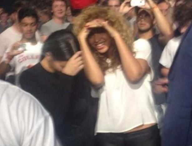 Kim Kardashian e Beyoncé são vistas juntas em show de Kayne West e Jay-Z em Birmingham, na Inglaterra (22/6/12)