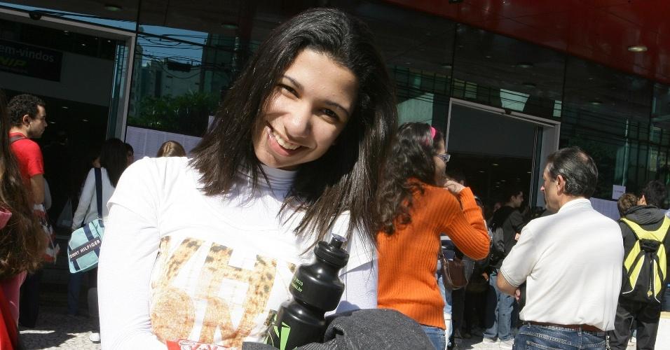 """24.jun.2012 - Para Julia Vieira da Conceição, 17, a prova de hoje é """"conhecimento básico, tem que saber"""""""