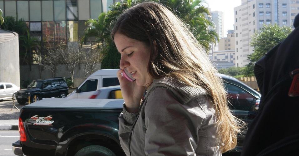 24.jun.2012 - Vestibulanda não poderia fazer a prova pois estava somente com a cópia do RG. Ela liga para a mãe, que chega com o documento a tempo