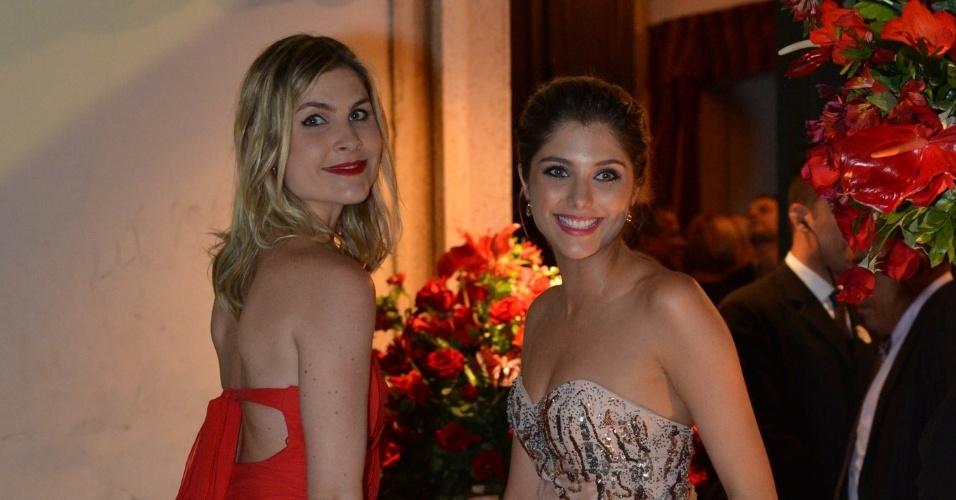 Julia Faria e Thammy Di Calafiori no casamento de Luma Costa, no Rio (23/6/12)
