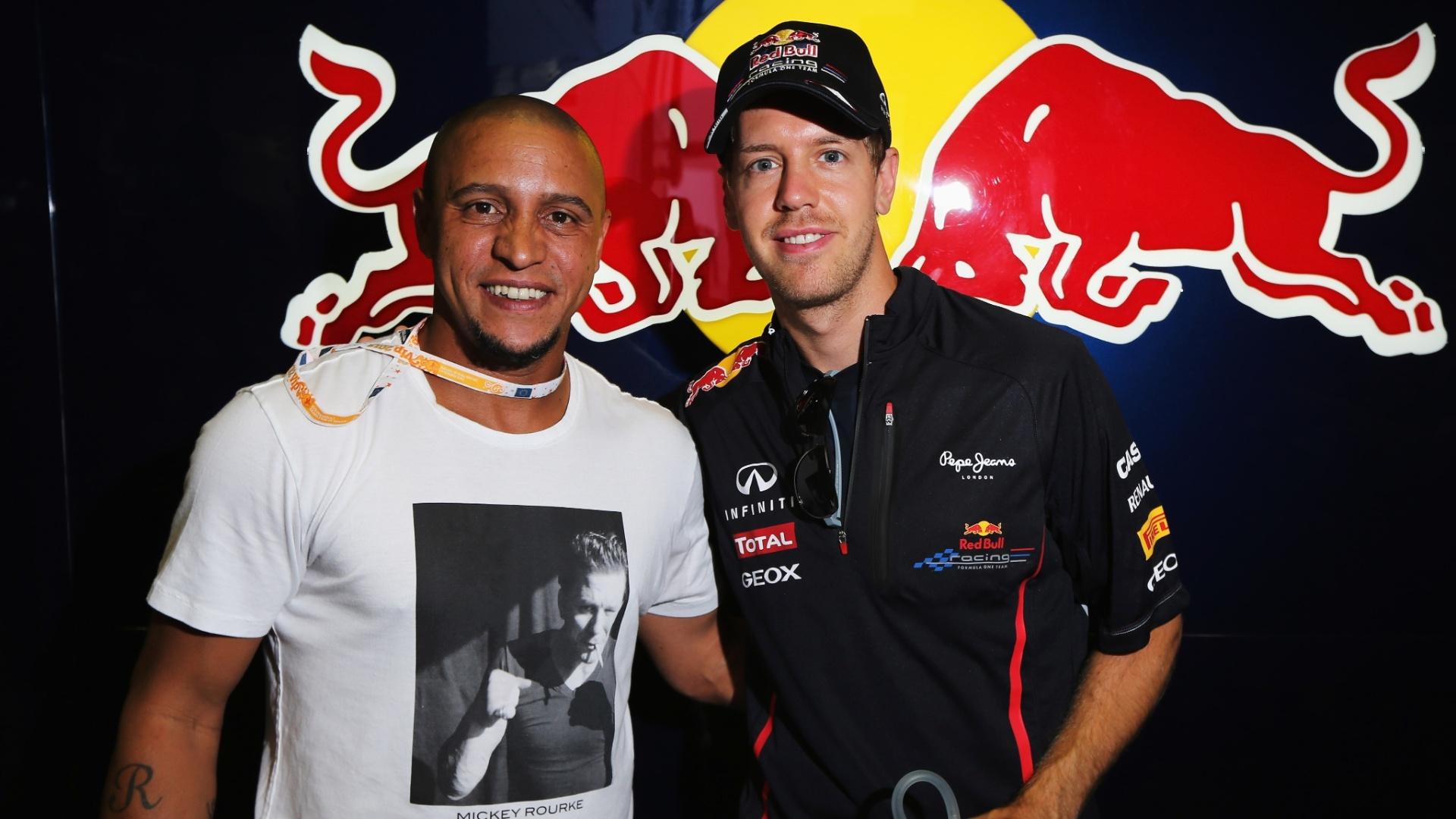 O jogador de futebol, Roberto Carlos, tietou o bicampeão Sebastian Vettel antes do GP da Europa