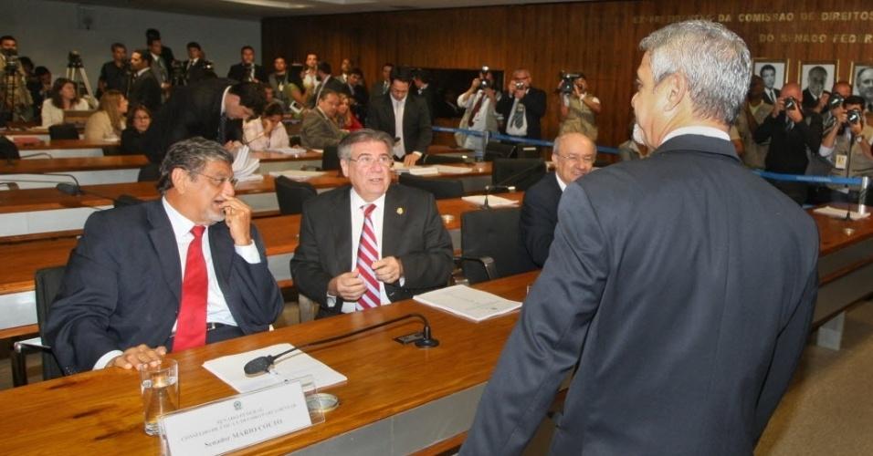 25.jun.2012- Senador Humberto Costa (PT-PE), à direita