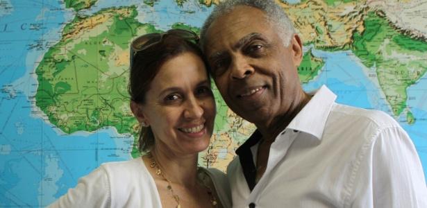 Flora e Gilberto Gil, no escritório da Gege Produções, na Gávea, zona sul do Rio (12/5/12) - Julio Cesar Guimarães/UOL