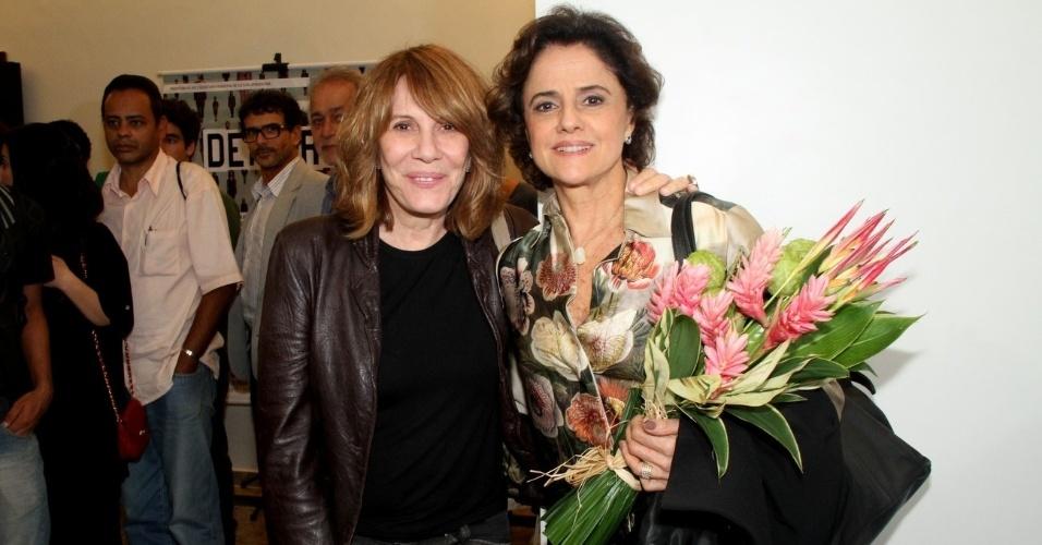As atrizes Renata Sorrah e Marieta Severo participam da reabertura do Teatro de Ipanema, no Rio de Janeiro,que foi comprado pela prefeitura em dezembro e passou por algumas reformas (25/6/12)