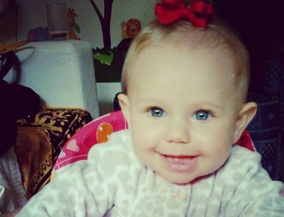 Carolinie Figueiredo mostra foto da filha aos sete meses (26/6/2012)