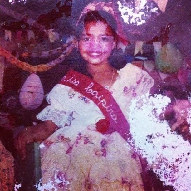 Gaby Amarantos divulga foto vestida de caipira criança (26/6/2012)