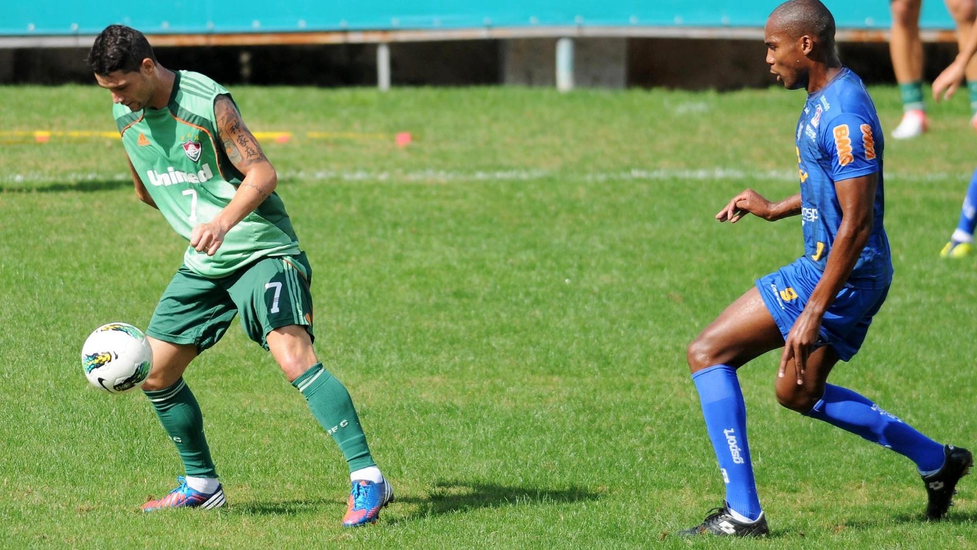 Thiago Neves domina a bola durante jogo-treino contra o Tupi (26 06 9f9fc4e808b78