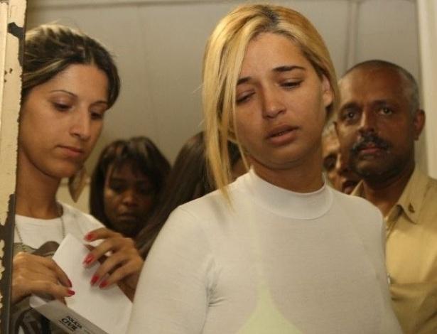 05.ago.2010 - A polícia de Minas Gerais prendeu no final da tarde desta quinta-feira a suposta amante do goleiro Bruno Souza, Fernanda Castro, única ré no caso do desaparecimento de Eliza Samudio que estava em liberdade