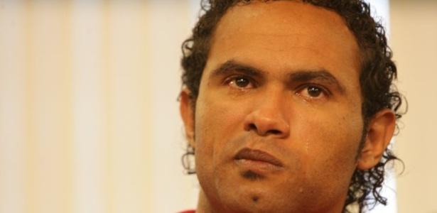 O advogado quer explicação sobre as afirmações sobre a suposta relação homoafetiva entre Bruno (foto) e Macarrão