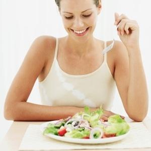 Adotada por muitas famosas, esse tipo de dieta tem como base alimentos desintoxicantes - Thinkstock/ Fonte: Run&Fun