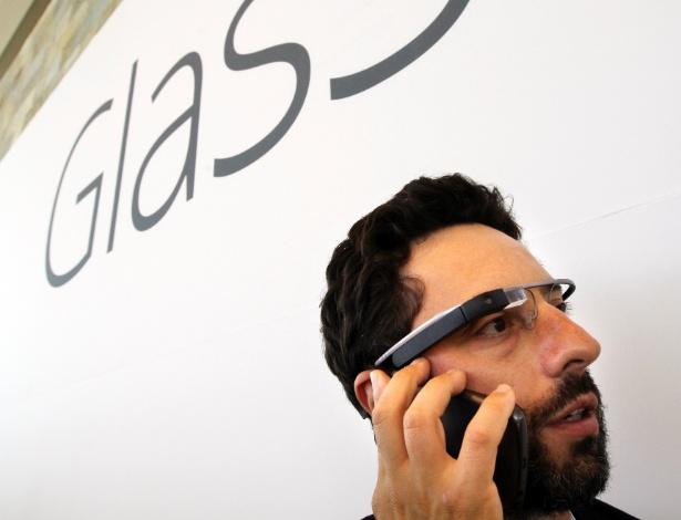 O Google fez uma demonstração ?grandiosa? do Glass, dispositivo parecido com óculos capaz de transmitir imagens em tempo real. A empresa anunciou que Google Glass estará à venda para participantes do Google I/O, em caráter experimental, por US$ 1.500