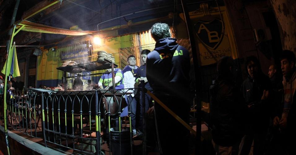 Torcedores do Boca Juniors fazem 'esquenta' para partida contra o Corinthians