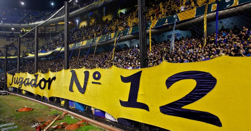 Torcedores do Boca Juniors lotam o estádio La Bombonera para o primeiro jogo da decisão da Libertadores contra o Corinthians