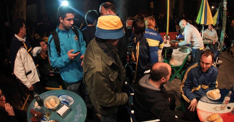Torcida do Boca Juniors faz 'esquenta' para o jogo contra o Corinthians