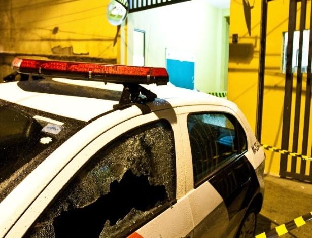 22.jun.2012 - Ataque a base da PM na Vila Campanela, em Itaquera, zona leste de São Paulo