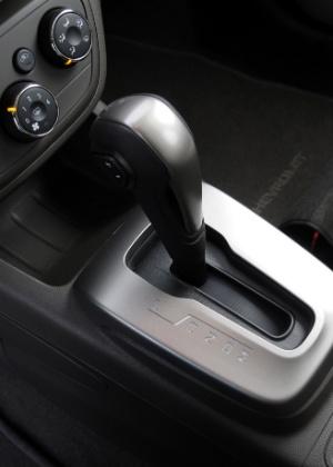 Alavanca do câmbio automático da Chevrolet - Murilo Góes/UOL