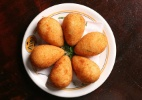 Com coxinhas crocantes, bar Veloso tem os melhores petiscos de SP - Patricia Stavis/Hype/Folhapress