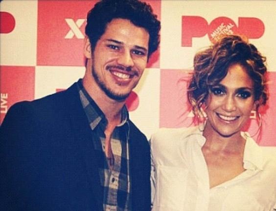 """José Loreto, o Darkson de """"Avenida Brasil"""", divulga foto ao lado de J-Lo (27/6/2012)"""