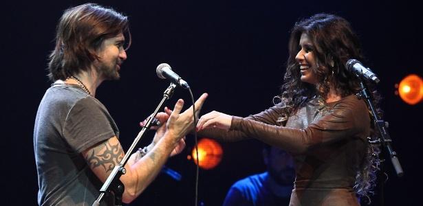 Paula Fernandes faz uma participação no  show de Juanes em São Paulo (27/6/12) - FotoRioNews