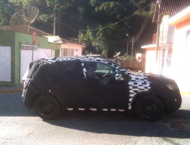 Trax (que pode chamar-se Enjoy no Brasil), ainda disfarçado, é flagrado no interior paulista - Danilo A. Teixeira/UOL