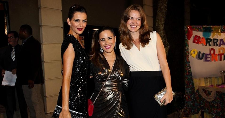 A modelo Fernanda Motta, a cantora Wanessa Camargo Buaiz e a modelo Letícia Birkheuer prestigiam a ex-modelo e jornalista Luciana Cardoso, mulher do apresentador Faustão, em sua festa de 35 anos (1/7/12)