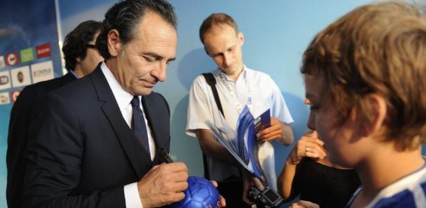 Treinador da seleção italiana, Cesare Prandelli, admitiu que se assustou com o ocorrido