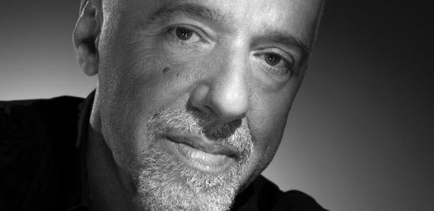 A foto em preto e branco de Paulo Coelho está na exposição com imagens do estúdio Harcourt (3/7/12) - Divulgação