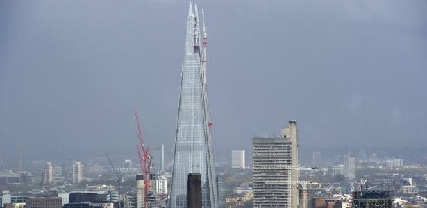Arranha-céu Shard em Londres, ainda em construção (25/04/2012)