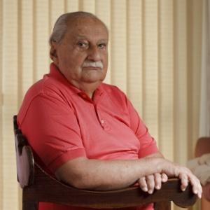 O escritor Carlos Heitor Cony, em foto feita em sua casa, no Rio, em 2013 - Rafael Andrade/Folhapress