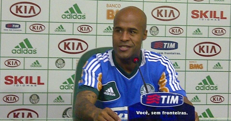 Marcos Assunção se emocionou ao falar da possibilidade de ser campeão