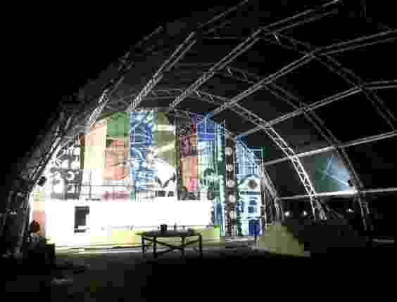 Painel da tenda dos autores  da Flip 2012, que terá na abertura uma palestra do jornalista Luiz Fernando Veríssimo sobre o valor da literatura (29/6/12) - Divulgação/Facebook