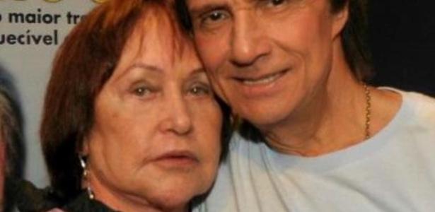 Ivone Kassu e Roberto Carlos, em foto de 2012