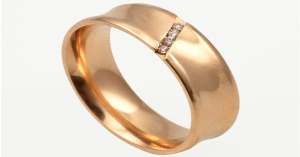 Aliança de noivado em ouro amarelo da joalheria Lydia Dana (www.lydiadana.com.br)