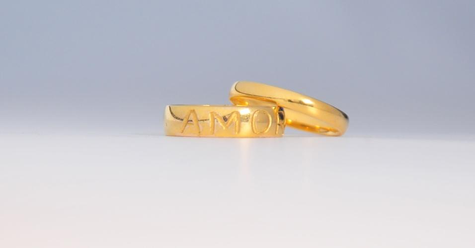 Par de alianças em ouro polido da joalheria Rosana Chinche (www.rosanachinche.com.br)