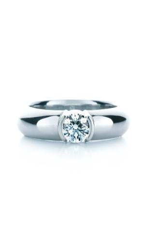 Aliança de noivado em platina com pedra de diamante da joalheria Tiffany (www.tiffany.com ou 11 3815-7000)