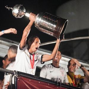 Festa dos jogadores do Corinthians depois do título na Libertadores
