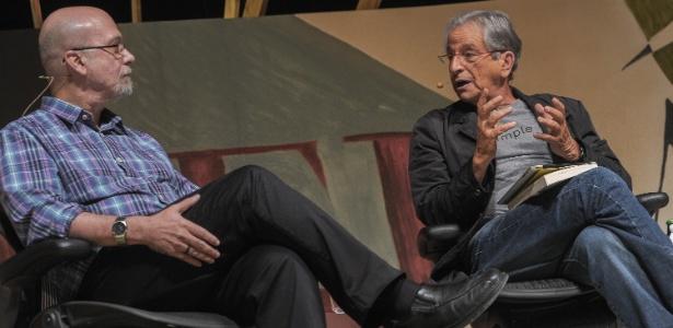 Luiz Eduardo Sores e Fernando Gabeira na última mesa do segundo dia da Flip 2012, com o tema Autoritarismo, passado e presente (5/7/12) - Flavio Moraes/Fotoarena