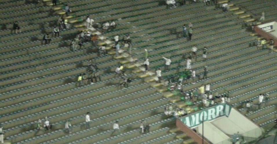 Torcedores do Palmeiras começam a entrar na Arena Barueri para acompanhar a decisão da Copa do Brasil